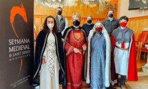 Les infermeres catalanes guardonades amb l'Espasa d'Honor de la Setmana de Sant Jordi de Montblanc