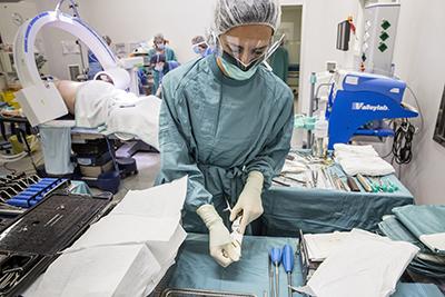 El CCIIC considera inadmisible que no se incluya a las enfermeras en el Comité evaluador de la gestión de la Covid-19 y en el Plan Nacional frente a la Resistencia a los Antibióticos